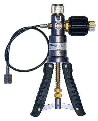 Hand-Held Portable Pneumatic Pressure / Vacuum Test Pumps CPP30